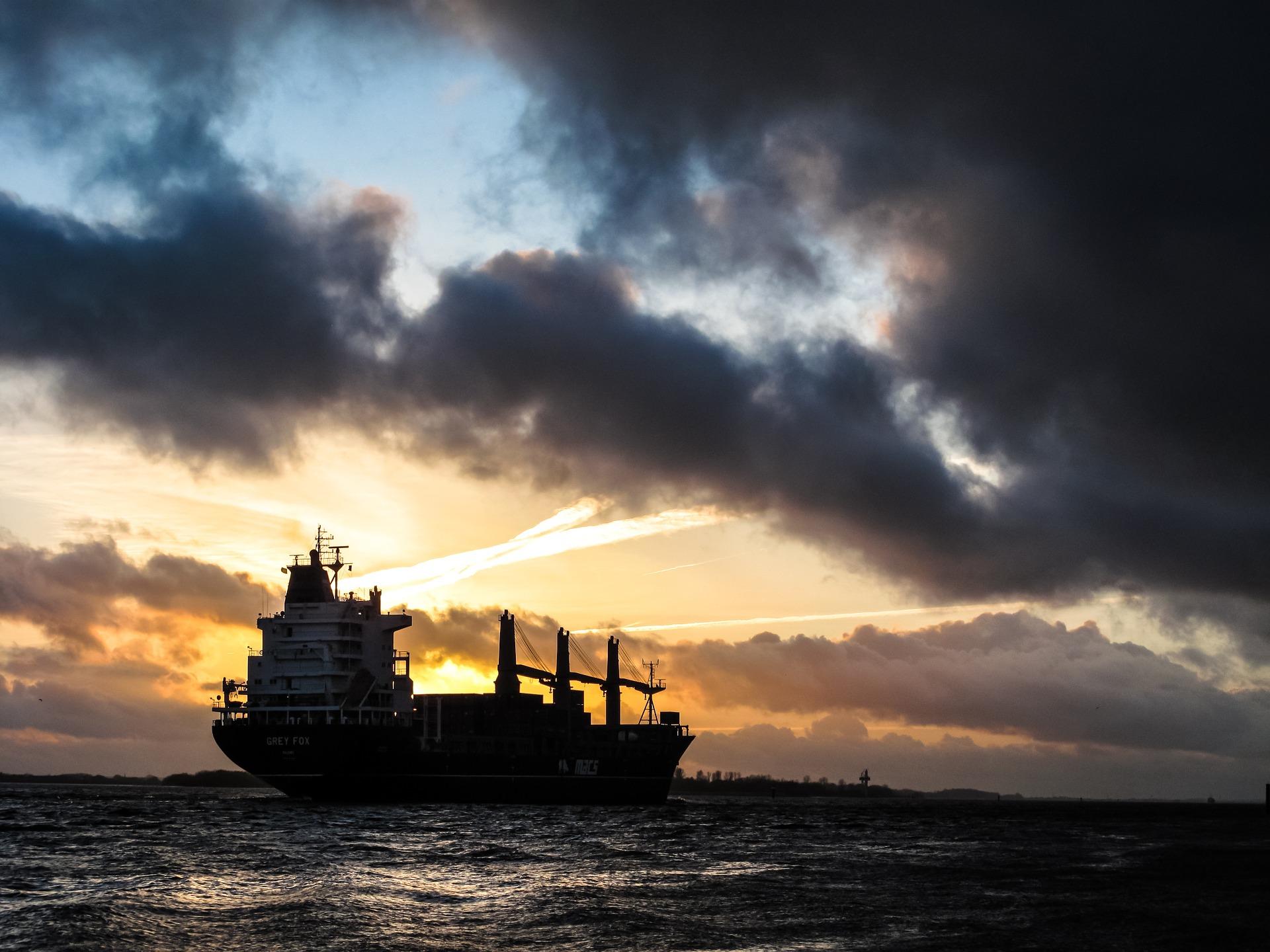 Canale di Suez: si stimano i danni e i rincari causati dal blocco